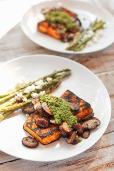 The Chubby Vegetarian: Butternut Squash Steak with Smoked Garlic Chimichurri. any excuse for chimichurri! Delicious Vegan Recipes, Real Food Recipes, Healthy Recipes, Tasty, Yummy Food, Vegetarian Options, Vegetarian Recipes, Pescatarian Recipes, Vegan Meals
