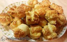 Hajtogatott sajtkrémes pogácsa