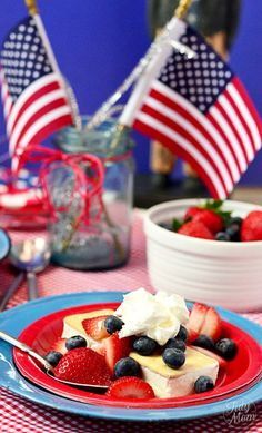 'Like' to vote for @tidymom's patriotic ice cream sandwiches! See recipe here: http://tidymom.net/2012/patriotic-shortcake-ice-cream-sandwiches/ #HSPinParty