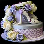 stiletto shoe and hatbox cake by The Pink Cake Box. See Cake Geek Magazine here also for Pink Cake Box shoe cake tutorial. Gorgeous Cakes, Pretty Cakes, Amazing Cakes, Shoe Cakes, Cupcake Cakes, Purse Cakes, Cupcakes, Hat Box Cake, Pink Cake Box