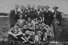 """Squadra di """"Fobal"""" allo Stadium - Viale Piave -1927 http://www.bresciavintage.it/brescia-antica/arti-e-mestieri/squadra-di-fobal-allo-stadium-viale-piave-1927/"""