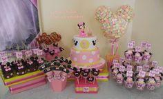 Mesa dulce Minnie Mouse Baby ... by Dulce Villa - Tortas y Cupcakes #minniemouse #tortas #fondant #sweet #cake #sugarart #sugarpaste #minniemousetheme #party #birthday