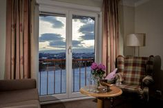 A winter holiday in Norway is not just about great skiing. At Inntravel, we seek out cosy, family-run hotels where you'll find a warm and genuine welcome.