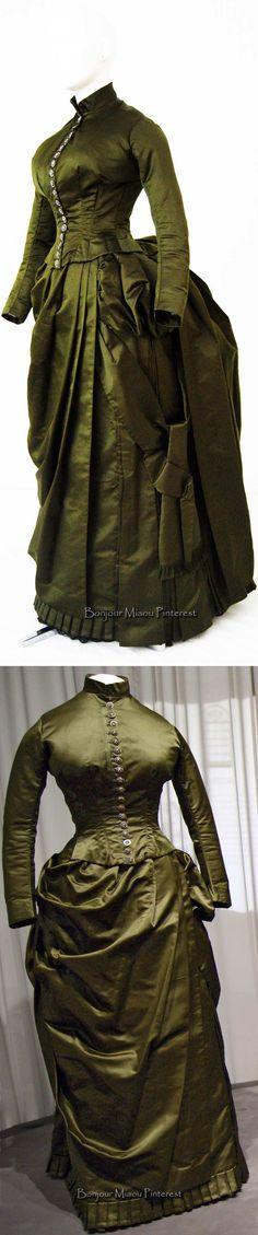 Walking dress ca. 1885–86. Patrimonio Histórico Familiar PHF Pinterest & Instagram