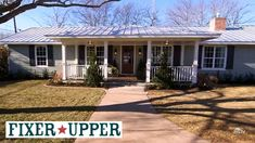 Chip & Joanna's New Carriage House Rental Near Waco - Hooked on Houses Antique French Doors, Little Cabin, Chip And Joanna Gaines, Bookshelves Built In, Ranch Style Homes, Front Rooms, Cabin Interiors, Modern Farmhouse Style