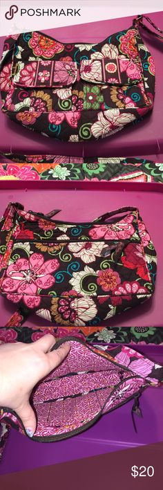Vera Bradley Libby mod floral pink Outside to magnetic closure slip pockets on front. Full zippered back. Inside 3 slip pockets. Main compartment closure is zippered. Vera Bradley Bags Crossbody Bags