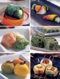 떡 Korean rice cakes, or tteok. Korean Rice Cake, Korean Dessert, South Korean Food, Korean Street Food, Asian Desserts, Asian Recipes, Alcoholic Desserts, K Food, Love Food