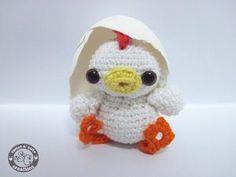 23 Chicken Free Crochet Amigurumi Patterns from https://freeamigurumipatterns.wordpress.com/category/chicken/