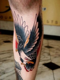 tattoo old school / traditional ink - eagle Traditional Eagle Tattoo, Traditional Tattoo Design, Traditional Ink, Eagle Tattoo Forearm, Forearm Tattoos, Future Tattoos, Tattoos For Guys, Cool Tattoos, Big Tattoo Planet