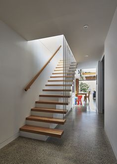 Staircase inside the home stairs architecture, modern stairs, house stairs, Terraced House, Beautiful Houses Interior, Beautiful Homes, Piscina Interior, Wooden Staircases, Stairs Architecture, Modern Stairs, Terrazzo Flooring, House Stairs