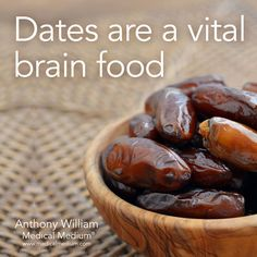 Dates are a vital brain food🌟 learn more about the healing powers of dates in life-ch Holistic Nutrition, Health And Nutrition, Health Fitness, Health Facts, Health Tips, Fruit Benefits, Health Benefits, Dates Benefits, Salud Natural