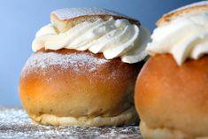 Semlor - juicy and good Swedish Bread, Grandma Cookies, Almond Pulp, Cookie Box, Just Cakes, Banana Cream, Fika, 20 Min, Cookie Desserts