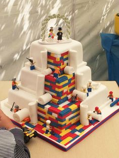 Lego Wedding Cake : How Fun and cute is this. This cake is really awesome! Lego Wedding Cakes, Themed Wedding Cakes, Themed Cakes, Cake Wedding, Superhero Wedding Cake, Wedding Shoes, Suprise Wedding, Fun Wedding Cake Toppers, Crazy Wedding Cakes
