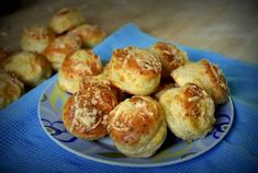 Omlós túrós pogácsa Fun Baking Recipes, Pretzel Bites, Baked Potato, Baked Goods, Mango, Muffin, Food And Drink, Bread, Breakfast