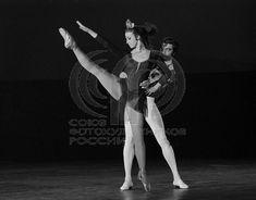 УМНОВ Евгений: Артисты балета Майя Плисецкая и Сергей Радченко в балете