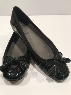 0456d9ba8cf Stuart Weitzman Tulip Bow Snake-Embossed Flat Black Patent Leather 8.5   fashion  clothing  shoes  accessories  womensshoes  flats (ebay link)