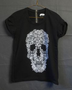 Illustrated People black sugar skull top NEW  NOt available util 16 june