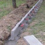 Einfriedung mit Kant- und L-Steinen | Gartenbau selber gemacht