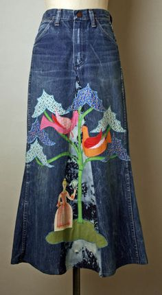Cotton skirt made of converted blue jeans and applique, by Serendipity American, I was always collecting appliques to sew onto my jeans and converted jean skirts. Moda Jeans, Jeans Refashion, Denim Ideas, Denim Crafts, Mode Chic, Recycled Denim, Denim Outfit, Denim Purse, Mode Outfits