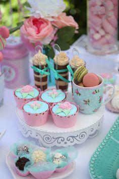 Minnie Shabby Chic Garden Party