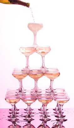How to Build a Champagne Tower Shop Round Eye Supply for Libbey Glass stemware -http://www.roundeyesupply.com/Articles.asp?ID=253&q=glass