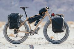 A Death Valley Prospector's Pack Mule: Erik's Desert Sand Fatboy Touring Bicycles, Touring Bike, Bicycle Women, Fat Bike, Cool Bicycles, Road Bikes, Bike Design, Mountain Biking, Death Valley