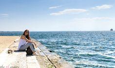 Nea Paralia Thessaloniki - Greece Alexander The Great Statue, Greek Girl, Street Musician, Big Town, Thessaloniki, Greek Islands, Listening To Music, Athens, Cool Pictures