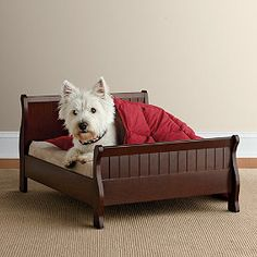 Give your pet the royal treatment with our adorable Louis Philippe sleigh pet bed.