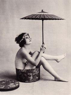 Waiting for the Sun 1920s Arcade Card
