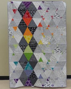 Love the quilting! Colour Pop Quilt by Michèle-Renée (M-R) Charbonneau/Quilt Matters http://www.quiltmatters.blogspot.de/2016/01/colour-pop-work-in-progress.html