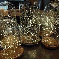 decorating with fairy lights   decorando con luces de hadas