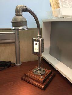 Lámpara Industrial eléctrico y salida de por UnrefinedDeviation