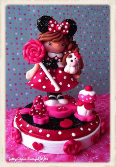 Classic Minnie Mouse Girl Keepsake Cake Topper by Jelly Cakes Designs, via Flickr.