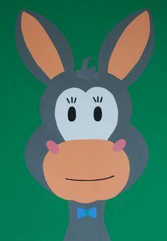 Kinderkamerkunst. handgemaakt kinderschilderij ezel 30x40. Achtergrond: groen. kinderschilderijen www.byphilomena.nl Gemaakt door: Philomena. Doek: canvas.