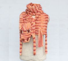 Horse, zebra, zebroid, soft long scarf, animal scarf, orange, brown, original scarf, winter accessory, warm scarf, wool scarf, OOAK  This unique scarf is made of brown-orange yarn and small pieces of felt (eyes and nostrils).   Length with legs: 72 (182 cm), without head, tail and legs (only body): 55 (140 cm) Body width: 10 (25 cm)  Made in a smoke free house.  Ready to ship.   Please check dimensions carefully. Due to lighting conditions and monitor settings, colors may appear slightly…