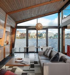 This is a house boat. I could live on that!