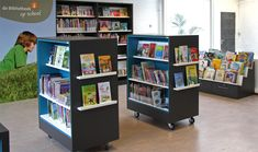 Create display shelves on ends of bookcases School Library Displays, School Library Design, Kids Library, Dream Library, Library Science, Library Organization, Library Shelves, Display Shelves, Shelving