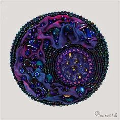 Spirala beading: Dark Side of the Moon