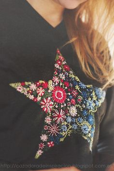 Embroidered Star Sweater Have you ever embroidered on clothing? I have a couple of times and each time I'm a nervous wreck. I'm not sure why, it is the same as stitching on regular fabric, but for some reason, … Embroidery Applique, Cross Stitch Embroidery, Embroidery Patterns, Machine Embroidery, Bordado Popular, Mode Crochet, Diy Clothing, Clothing Labels, Needlework