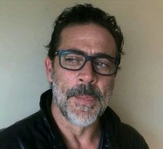 That sweet little corner of his tongue...makes me...well, feel real naughty! ♡ Jeffrey Dean Morgan ♡