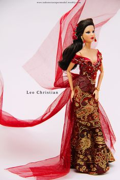 Barbie wore Kebaya which is very rich of Indonesian Culture.