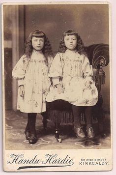 Victorian cabinet card Children Girl Twins Twin Sisters Kirkcaldy photographer