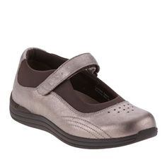 7170571bb19 Drew Shoe Women s Rose Casual Mary Janes