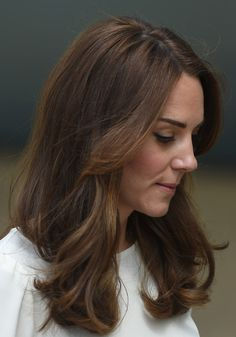 Kate Middleton Photos - Catherine, Duchess of Cambridge attends the launch of Heads Together Campaign at Olympic Park on May 2016 in London, England. - The Duke and Duchess of Cambridge and Prince Harry Attend the Launch of Heads Together Campaign Kate Middleton Hair, Kate Middleton Photos, Banana Republic, Princesa Kate Middleton, Herzogin Von Cambridge, Natural Hair Styles, Long Hair Styles, Prince William And Kate, Duke And Duchess
