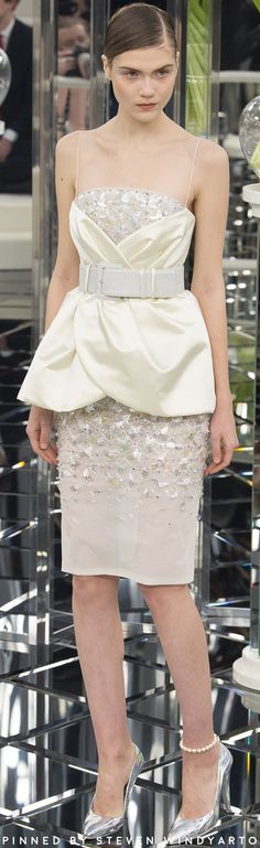 Chanel Spring Couture 2017 Fashion Show #dress #gown #womenswear #ss17 #spring2017