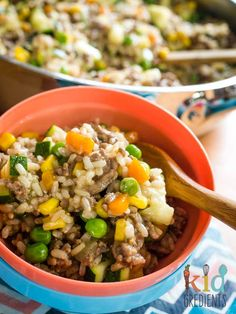 Savoury mince with brown rice, a one pot wonder meal so you don't have to wash up extra pots! Delicious, cheap and packed with veggies. Minced Beef Recipes, Minced Meat Recipe, Mince Recipes, Soup Recipes, Savoury Mince, Mince Meat, Baby Food Recipes, Cooking Recipes