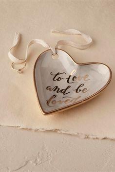 10 Alternative Wedding Ring Cushions