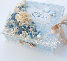 Servilleta Alemana Decoupage Wood, Decoupage Vintage, Paper Flower Art, Flower Crafts, Diy And Crafts, Paper Crafts, Wedding Cards Handmade, Pretty Box, Altered Boxes