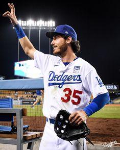 Hot Baseball Players, Baseball Guys, Baseball Cards, Bellinger Dodgers, Cody Bellinger, Dodger Stadium, Dodgers Baseball, Sports Images, Los Angeles Dodgers