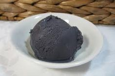 cream 1 ½ cups low fat milk (I used full fat) Black food colouring Licorice Ice Cream, Black Licorice, Black Food Coloring, Colouring, Love Ice Cream, Frozen Treats, Desert Recipes, Frozen Yogurt, Gelato